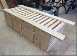 Como fazer um armário reaproveitando caixotes de madeira